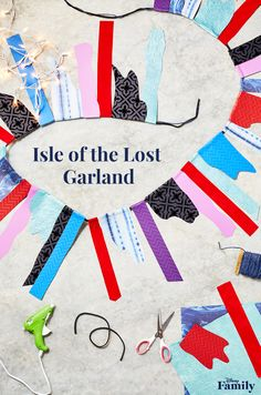 Create a Descendants 2 viewing party with all the wicked charm. Create this DIY Isle of the Lost Garland with just leftover scrap paper, glue, and string. This banner looks straight out of Descendants. Click for more Disney party inspiration. Descendants Games, Descendants Wicked World, Disney Channel Descendants, Birthday Party Games, Girl Birthday, Birthday Ideas, Isle Of The Lost, Disney Decendants, Banner