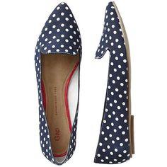 Gap Printed Pointy Flats - navy polka dot ($20) ❤ liked on Polyvore featuring shoes, flats, sapatos, zapatos, women, pointed toe shoes, pointy flats, gap flats, pointy toe shoes and loafers flats