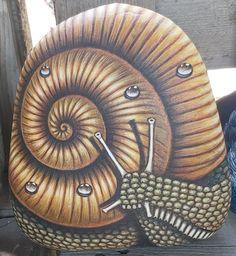 Pebble Art, Rock Painting, Snail, Painted Rocks, Stones, Painting On Stones, Paintings, Rocks, Stone Painting