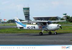 Volar en un Aeropuerto Internacional tiene muchas ventajas!    Quieres ser #piloto?   información : info@skyecuador.com 04 600 8250 o ( 0969063172 solo mensajes WhatsApp ) www.skyecuador.com