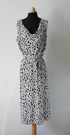 28eb751c7857 Luxusní úpletové šaty ze 100% hedvábí Diane von Furstenberg černo-bílé, vel.