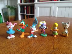 Lot of Warner Brothers ANIMANIACS toys figures A USED  You are looking at a Lot of Warner Brothers ANIMANIACS toys figures. Item in good played with condition. Items may have wear: scrapes, rubs, fading, etc. Items are in need of a thorough cleaning, by the collector. Please refer to the picture. Ask any questions you may have before you buy.
