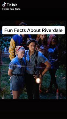 Riverdale Netflix, Bughead Riverdale, Riverdale Funny, Riverdale Memes, Riverdale Betty And Jughead, Camilla Mendes, Riverdale Cole Sprouse, Riverdale Aesthetic, Crazy Funny Videos
