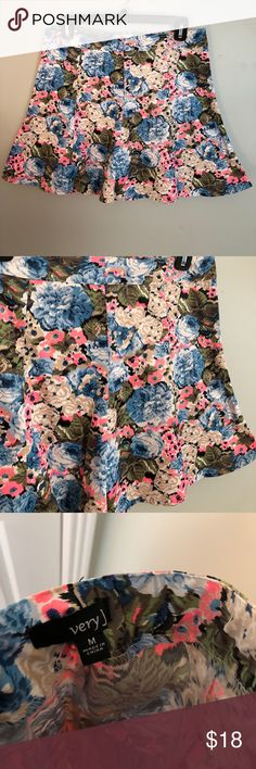 Very J Floral Skater Skirt Barely worn and in gray condition.  40% Cotton; 5% Spandex; 55% Polyester Very J Skirts Mini