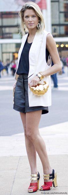Coletes adicionam informação de moda e valorizam o look. Tanto de modelagem reta o que insinua cintura são bons para seu corpo. Sugestão: trocar a bermuda por uma de comprimento mais discreto, uma saia longa ou uma pantalona.