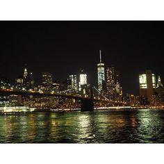 Instagram【yukkeymouse】さんの写真をピンしています。 《#newyorkは刺激的 #飽きない街 #でも #優しい人もたくさん  #Iamlost #迷子なってると誰かしら声かけてくれる  #Thanks AIKO #マンハッタン #ブルックリン #ブルックリン橋#ニューヨーク#アメリカ #manhattan #brklyn #brooklyn #brooklynbridge #newyork #NY #nyc #America  #夜景 #ネオン  #幼なじみ旅 #ドジッ子旅 #旅行 #女子旅 #travel #trip》