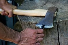 Using an Axe for Survival, Part 2: How to Properly Use and Maintain Your Axe