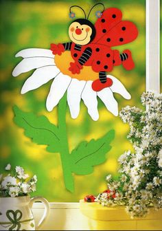 ladybug with a flower - spring paper craft pattern Earth Day Projects, Spring Art Projects, Spring Crafts, Projects To Try, Paper Crafts For Kids, Easy Crafts For Kids, Diy And Crafts, Board Decoration, Class Decoration