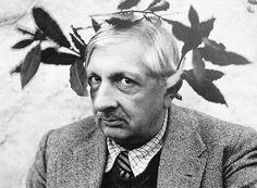Τζόρτζιο Ντε Κίρικο (1888 – 1978): Ιταλός ζωγράφος, γλύπτης και συγγραφέας, κύριος εκπρόσωπος της μεταφυσικής ζωγραφικής. Με το έργο του άσκησε μεγάλη επιρροή στο σουρεαλιστικό κίνημα.