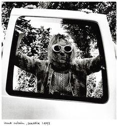 Kurt Cobain in photo by Anton Corbijn Frances Bean Cobain, Dave Grohl, Banda Nirvana, Nirvana Lyrics, Donald Cobain, Nirvana Kurt Cobain, Indie Music, Film Director, Rock N Roll