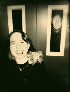 27 Scariest Photobombs Of All Time. I Could Not Sleep After Seeing That THING In Number 24.