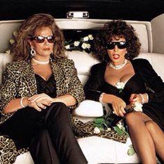Jackie Collins and Joan Collins, by Annie Leibovitz Jackie Collins, Dame Joan Collins, 90s Fashion, High Fashion, Annie Leibovitz Photography, Famous Portraits, Beautiful Old Woman, Joan Crawford, Vanity Fair