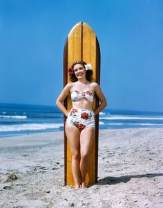 Kiki went to Hawaii after her wedding! Cute picture snapped by new hubby Robb. What a treasure to see what a real woman looks like in a bathing suit. Minus implants and the 5 day work out at Pilates, coffee meal from Starbucks etc...#BLASTFROMPAST:)