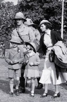British officer and family on arrival in India