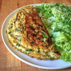How to make a perfect vegan omelette for all tastes? Silk Tofu Recipes, Veggie Recipes, Vegetarian Recipes, Healthy Recipes, Vegan Omelette, Plat Vegan, Wie Macht Man, Easy Smoothie Recipes, Paleo