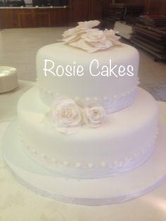 beautiful wedding cake made from my talented sister :) #wedding #cake #simple #elegant #roses