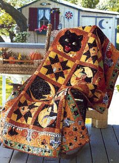 Halloween quilt - something I have been wanting to do for quite a while now.  :)