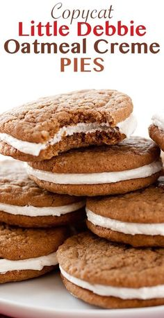 Oatmeal Cream Pies are soft, chewy, and spiced molasses oatmeal cookies sandwiched with a fluffy marshmallow cream filling. A nostalgic dessert you'll want to make again and again. (And way better than the Little Debbie kind! Oatmeal Cream Cookies, Oatmeal Pie, Oatmeal Cookie Recipes, Oatmeal Whoopie Pie Recipe, Oatmeal Cream Pie Filling Recipe, Little Debbie Oatmeal Creme Pie Recipe, Köstliche Desserts, Delicious Desserts, Dessert Recipes