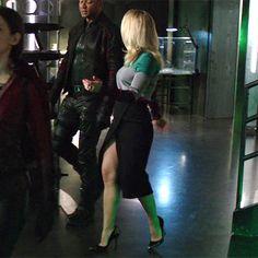 Felicity: Black Pencil Slit Skirt