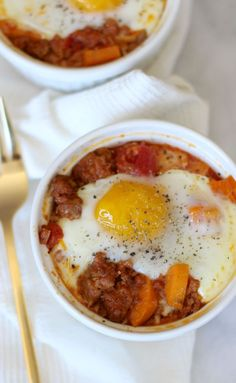 paleo breakfast ideas, paleo breakfast recipes, chorizo sweet potato bake via @mystylevita