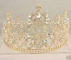 and crystal tiara for your wedding! Royal Crowns, Royal Tiaras, Royal Jewels, Tiaras And Crowns, Crown Jewels, Cute Jewelry, Jewelry Accessories, Quinceanera Tiaras, Quince Dresses