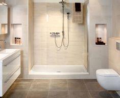De Saqu Xarisa inloopdouche: de inloopdouche voor de badkamer van nu.- 8 mm helder veiligheidsglas- Afmeting: 120 x 200 cm- Stelmaat 120-122 cm- Kleur: Aluminium gepolijst/helder glas- Inclusief stabilisatiebeugel 100cm