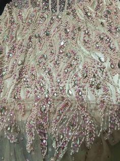 Vestido de Festa Rosa Claro Tomara que Caia com Pedrarias
