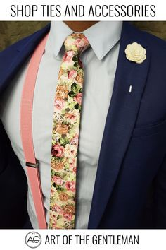 Handmade with 100% imported cotton fabric. Perfect for work, weddings or a night out on the town. This Floral Beige Carnation Tie will make you feel like the gentleman you aspire to be or accentuate the gentleman you already are. You'll look good, feel good and do good things in this tie. Makes the perfect gift for a fellow gentleman or for that man in your life by making them look good and feel good. Wedding Suits, Wedding Attire, Wedding Dresses, Wedding Bands, Rustic Wedding, Our Wedding, Dream Wedding, Outfits Fiesta, Unique Gifts For Him