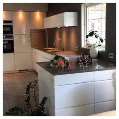 A view to a new #kvikkitchen ❤️ Cred: @wenchekrg #kvik #kitchen #manobykvik #whitekitchen