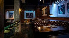 Top 5 secret Melbourne bars: 1. noodle house (Level 4, 264 Swanston Street)  |  2. La Chinesca (71 Collins Street, enter via Strachan Lane)  |  3. The Understudy (169 Exhibition Street)  |  4. Bar Ampere (16 Russell Place)  |  5. No Name (First floor, 1 Flinders Lane)