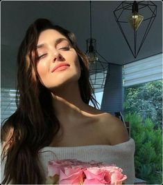 Transform Your Looks With This Advice World Most Beautiful Woman, Beautiful Girl Image, Beautiful Women, Prettiest Actresses, Beautiful Actresses, Hande Ercel, Turkish Beauty, Stylish Girl Pic, Girl Photo Poses