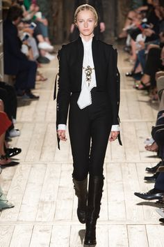 Valentino коллекция | Коллекции осень-зима 2016/2017 | Париж | VOGUE