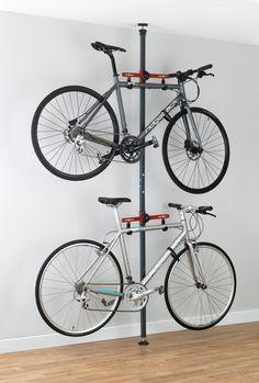 Base de metal con ganchos para colocar bicicletas en la pared y ordenarlas #order #bike