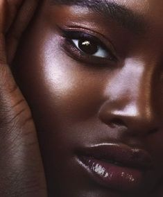 Beautiful Dark Skinned Women, Beautiful Black Girl, Beautiful Eyes, Beautiful Women, House Beautiful, Beautiful Pictures, Dewy Skin Makeup, Beauty Makeup, Beauty Nails