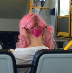 """planetbuzzedgirls: """" would you try something like this? """" If you look at the pigtails you can see the shorter hair. So when it's not in pigtails it's a nice long in the front, short in the back style. Hair Inspo, Hair Inspiration, Dye My Hair, Aesthetic Hair, Grunge Hair, Shaved Hair, Hair Designs, Pink Hair, Ombre Hair"""