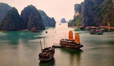 junk ship ha long bay Cambodia and Vietnam Places To Travel, Places To See, Philippines, Asia Cruise, Best Honeymoon Destinations, Dream Vacations, Travel Destinations, Ha Long Bay, Beautiful Places To Visit