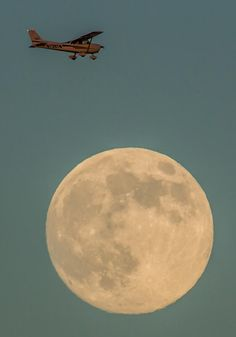 Full Moon!……….GOOD EVENING MOON…..BEEN WAITING FOR YOU ALL DAY…………ccp