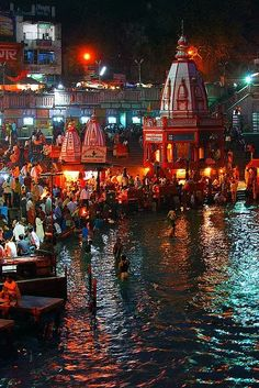 GANGA AARTI....... Every evening,as dusk descends ...its time for the Ganga Aarti...to be performed at three holy cities of Haridwar,