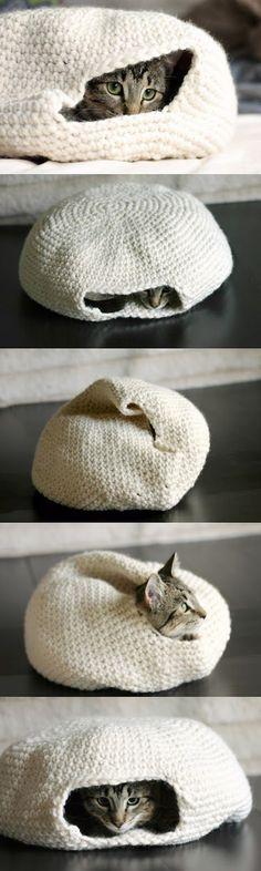 DIY Cozy Crochet Cat Bed | DIY Craft Project                                                                                                                                                     More