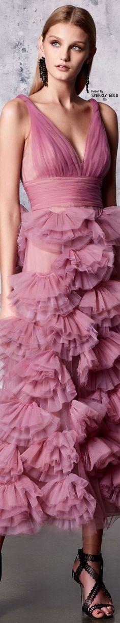 Marchesa Notte Resort 2018 Collection - Share The Looks Pink Fashion, Fashion 2018, Womens Fashion, Marchesa, Glamour, Pink Dress, Dress Up, Blush Rosa, Jessica Parker
