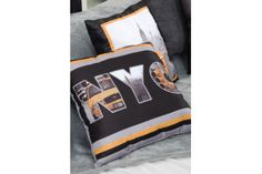 Coussin déco New York Deco New York, Decoration, Comforters, Throw Pillows, Blanket, Bed, Home, Linens, Slipcovers