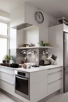 Blog de Decoração Perfeita Ordem: Branco nos armários da cozinha ...