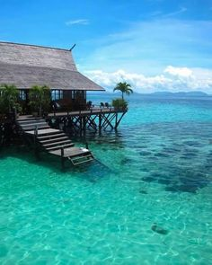 Hotels in Malaysia that'll teleport you to Maldives