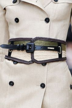 Burberry Prorsum . Spring - like the belt of the trench