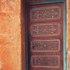 #oldtown #olddoor #oldwall #archdaily #heritage #door #sundoors #portaseportoes #sojanelas #world_doorsandwindows #doors #ir_doorsandwindows #porte #drawn #rsa_doorsandwindows #portas #loves_cultures #inmorocco #porta #loves_morocco #Rabat #morocco