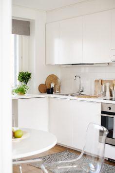 Light BoKlok kitchen. Photo: Skanska Kodit, www.boklok.fi