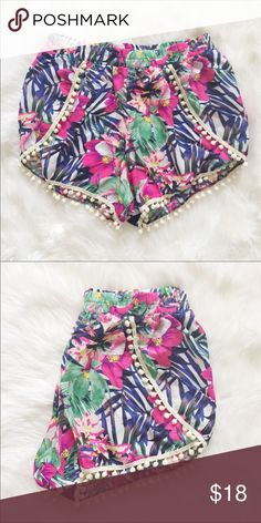Pom Pom short re posh Navy and tropical print Pom Pom shorts in size xl. Re posh, didn't work out for my size. Better for small waist with big booty. Or worn high with crop too or tucked in tank. Super adorable! Wish I could wear this style. Shorts Skorts
