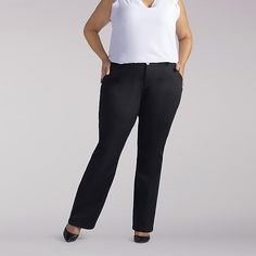 c4be71a465b Lee Women s Stretch Relaxed Fit Straight Leg Jeans - Plus (Size 28W x P)