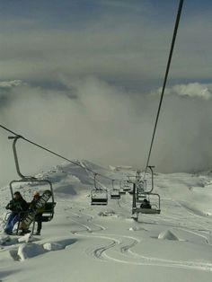 Un tranquilo ascenso en #CerroCatedral antes de un momento lleno de adrenalina en la #NieveArgentina! #Bariloche #RíoNegro #Patagonia #Argentina #Viajes #Paisaje #Nieve #Snow #ArgentinaEsTuMundo Más Info en www.facebook.com/viajaportupais Snow, Facebook, Outdoor, Viajes, Outdoors, Outdoor Games, The Great Outdoors, Eyes, Let It Snow