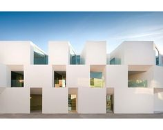 house for the elderly in portugal by Aires Mateus / Alcacer do Sal Cubic Architecture, Concept Architecture, Amazing Architecture, Contemporary Architecture, Interior Architecture, Building Exterior, Building Facade, White Building, Master Arquitectura